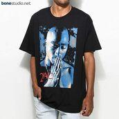 t-shirt,tupac tees pray,tees,shirt,grunge,fashion,style,girl,menswear,band t-shirt