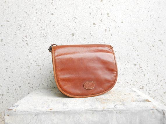 Brown Vintage Leather Shoulder Bag / Leather by VindicoShop