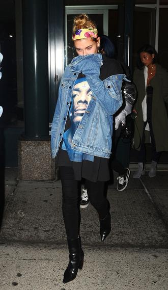 jacket top t-shirt hailey baldwin pants boots model off-duty