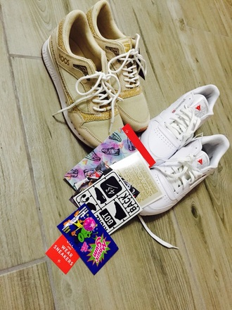 shoes kangaroos macic gum reebok withe shoes