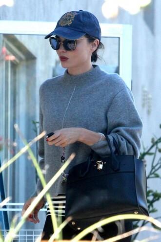 sweater fall outfits miranda kerr sunglasses hat purse