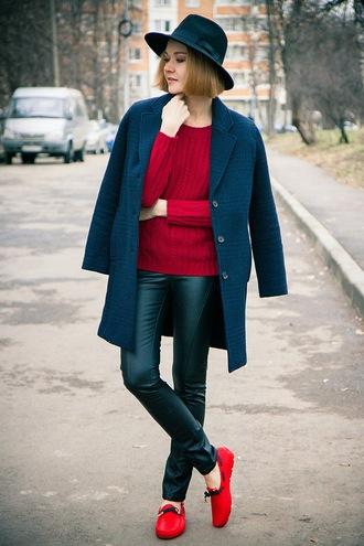 hat blogger bag gvozdishe coat blue tartan knitted sweater