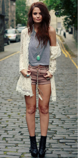 jewels fashion summer spring girl cute boho festival crotchet jewelry necklace white turquoise brunette streetstyle street lookbook cardigan