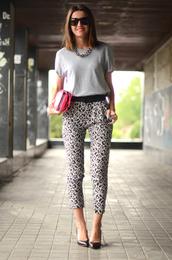 pants,leopard print,t-shirt