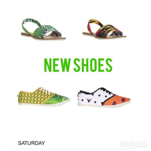 cute comfy shoes comfortable shoes, sandals, jelly, jelly shoes, jelly sandals, fashion , daisy sandals sandals, aztec, tribal, summer sandales sand sunset island leaf leaf/design pinapple pineapples lips white blue pink vacation vacay vacations itsit clothing itsit boutique, instagram,, instagram instagramfashion instagram fashion style fashion summer outfits spring spring fashion spring trends 2014 colorful floral print colorful patterns yellow green sneakers kicks keds dope dope shit dope ish girly new york california new york city new york fucking city leaf pattern
