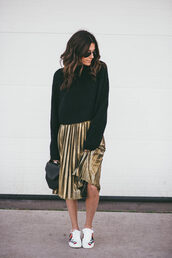 skirt,gold skirt,pleated skirt,pleated,metallic pleated skirt,metallic,sneakers,embroidered,floral,white sneakers,low top sneakers,sweater,cropped sweater,black sweater,bag,black bag,sunglasses,tumblr