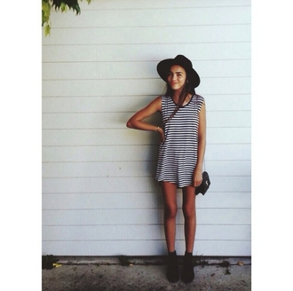 dress striped dress fedora hat ankle boots crossbody bag cute outfit outfitters bag indie