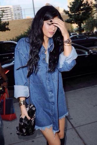 jacket kylie jenner denim jacket grunge oversized bracelets oversized denim light wash vintage jewels
