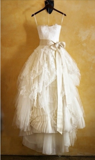 dress vera wang off-white bow dress rustic wedding chic ruffle wedding dress lace wedding dress puffy dress vintage lace