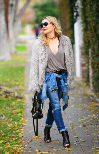 thehuntercollector blogger jacket t-shirt jeans belt shoes bag fur jacket handbag ankle boots peep toe boots grey t-shirt jewels