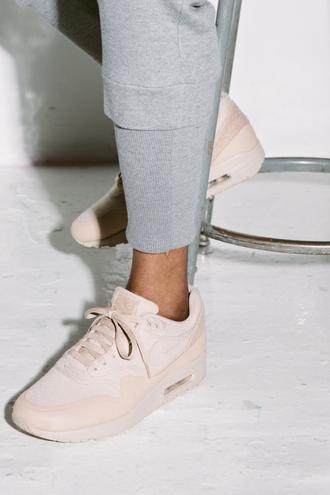 shoes nike nike air nike air max 90 hyperfuse air max nude sneakers nike sneakers platform shoes beige nike beige sneakers nude cream low top sneakers