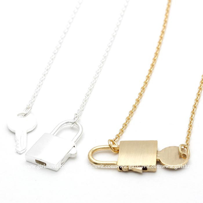girlsluv.it - lock and key necklace