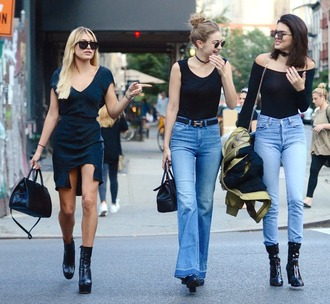 jeans dress hailey baldwin kendall jenner gigi hadid model streetstyle choker necklace sunglasses boots purse necklace skirt asymmetrical skirt asymmetrical jewels model off-duty celebrity style black choker jewelry flare jeans skinny jeans absolutemarket