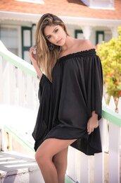 dress,shoulder black dress,loose,over the shoulder,mapalé,black