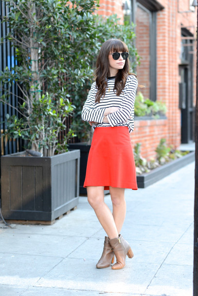 m loves m blogger stripes red skirt boots top skirt shoes jewels sunglasses make-up