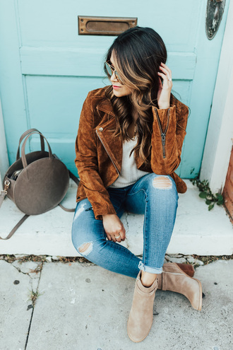 hauteofftherack blogger shoes bag jeans jacket top sunglasses ankle boots round bag brown jacket fall outfits booties