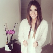 fluffy,off-white,cardigan,coat