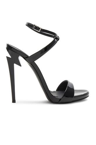 heel alien black shoes
