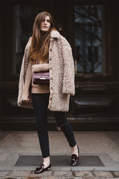 simple et chic,blogger,fuzzy coat,fluffy,winter coat,beige,knitted sweater,loafers,coat,sweater,jeans,shoes,bag,beige fluffy coat,teddy bear coat