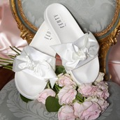 shoes,fenty by rihanna,bow slide,bow,bows,bow shoes,fenty x puma,fenty x puma rihanna,sliders,slide shoes,summer,summer accessories,white shoes