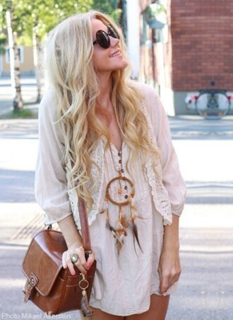 jacket dreamcatcher lace jewels bag leather boho dress necklace sunglasses shirt dreamcatcher necklace white blonde hair hippie hipster clothes hobo dress vintage bag summer dress sweater t-shirt blouse boho dress beige dress white blouse bohemian bohemian dress blond tumblr girl vintage feathers boho shirt tunic dress cute dress leather bag cardigan brown