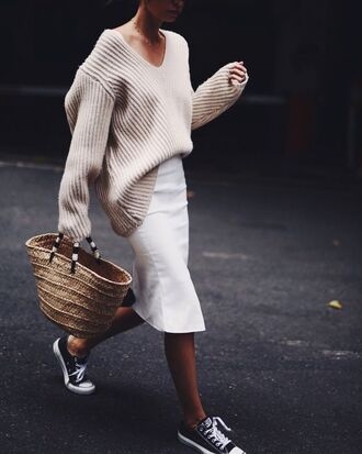 wit&whimsy blogger shoes sweater fall outfits beige sweater oversized sweater basket bag raffia bag sneakers