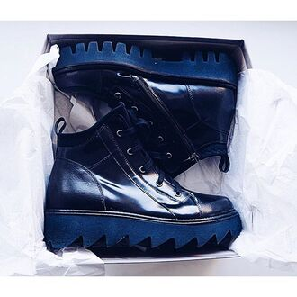 shoes clothes black boots booties short massive grunge leather sportswear autumn boots autumn shoes autumnsundress zip zipper shoes zipper booties