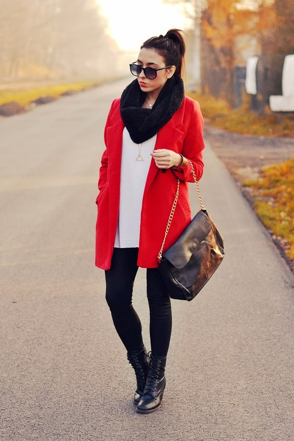 disturbed style coat bag jewels blouse pants shoes