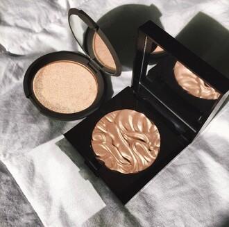 make-up highlight