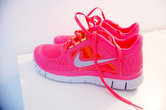 shoes nike pink shoes pink nike shoes cute shoes cool shoes nike free run cute pink shorts valentine dope