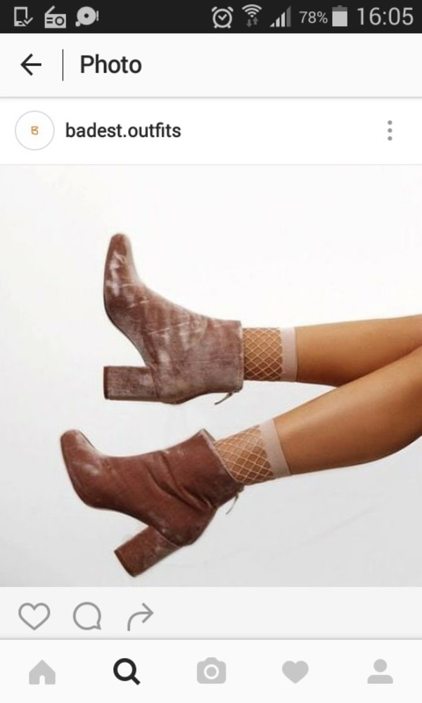 shoes boots bottes bottines velvet velour talons rose pink pale light pink pink boots velvet boots vintage old 80s style 90s style 70s style style chaussures à talons socks