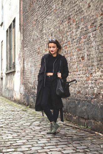 gladys doris dave blogger black jeans black coat leather bag