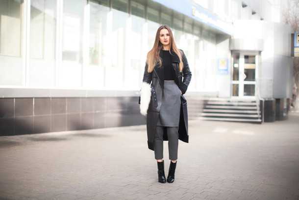 fashion agony blogger cropped pants grey skirt black boots grey coat