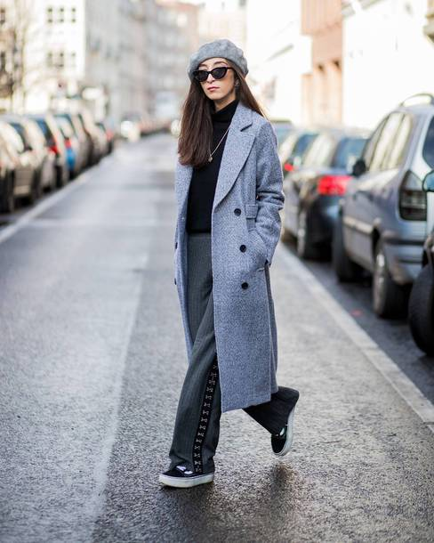 hat tumblr streetstyle beret coat grey coat pants grey pants wide-leg pants top black top sunglasses
