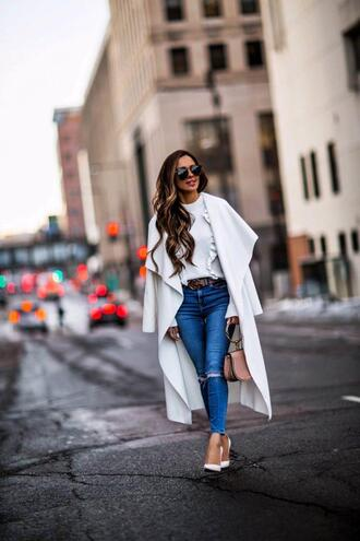 maria vizuete mia mia mine blogger sweater pants cardigan spring outfits white coat ruffle sweater pumps skinny jeans