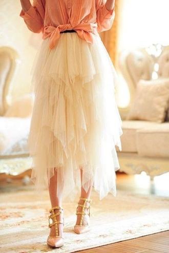 tulle skirt off-white puffy