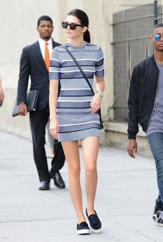dress printed dress mini dress short sleeve dress blue dress slip on shoes blue shoes sunglasses black sunglasses kendall jenner celebrity celebrity style