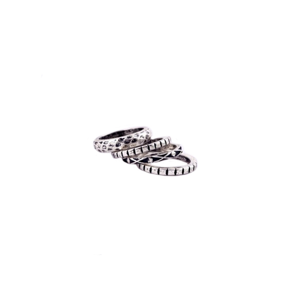 Middle age rings set