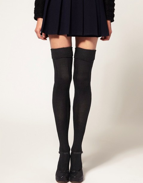 skirt black pleated skirt shoes knee high socks underwear knee high socks socks
