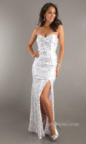 White Sweetheart Neckline Long Prom Dresses