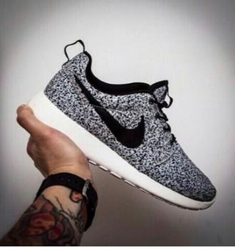 shoes nike nike roshe run nike running shoes nike sneakers nike sportswear nike roshes floral