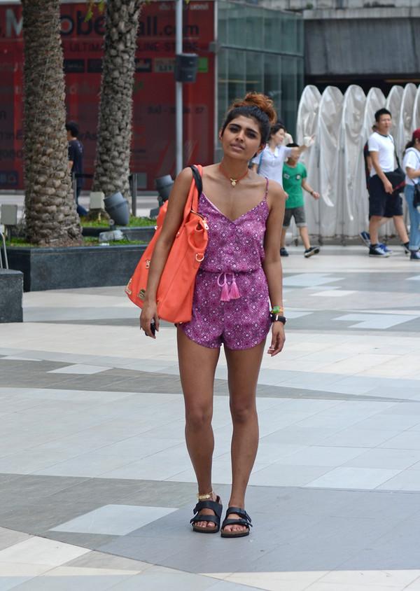 she wears fashion romper jewels bag sunglasses