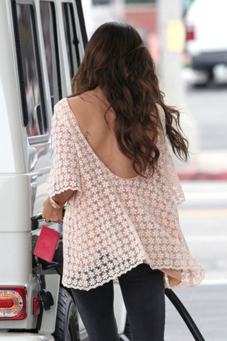 shirt loose clothes lace lace flowy top flowy flowy top low back lace dentelle loosy tshirt dos nu flowers white flowers blouse floral lace sheer blouse low back scoop back