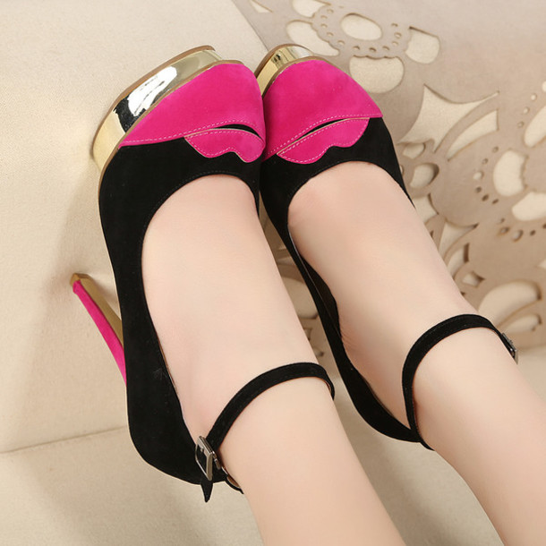 shoes lips gold heels