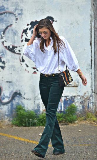 to be bright blogger jeans belt bag shoulder bag flare jeans white shirt