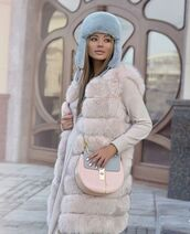 bag,street,shot from the street,streetwear,streetstyle,celine,celine bag,cozy,comfy,pastel bag,fur,fur vest,fashion,winter outfits,fashion inspo,glamour,glamgerous,pastel
