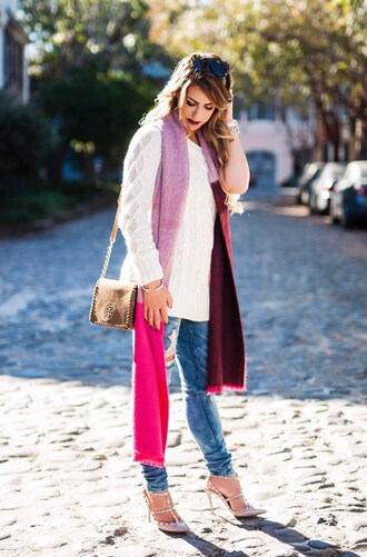 herestheskinny blogger scarf sweater jeans shoes bag jewels sunglasses make-up white sweater shoulder bag high heels white cable knit sweater knitted scarf ripped jeans blue jeans brown leather bag leather bag