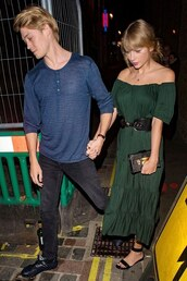 dress,taylor swift,date outfit,maxi dress,green dress