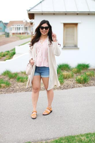 sandy a la mode blogger shirt shorts cardigan shoes bag sunglasses crossbody bag spring outfits striped shirt
