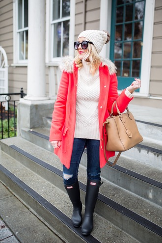 gbo fashion blogger coat sweater jeans shoes hat bag sunglasses beanie winter outfits red coat turtleneck sweater handbag wellies